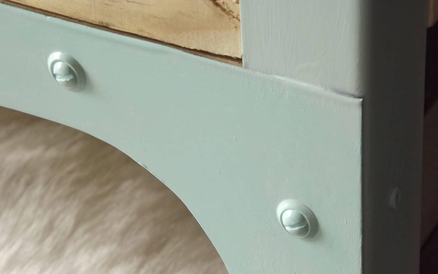 Drapier aux couleurs scandinave et aux matériaux industriel