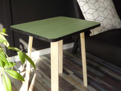 Table d'appoint formica en bois