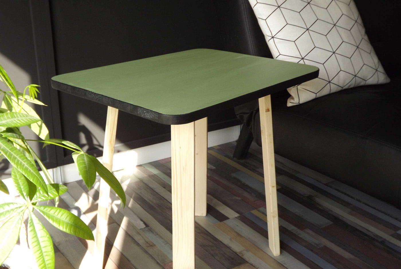 Table d'appoint formica en bois