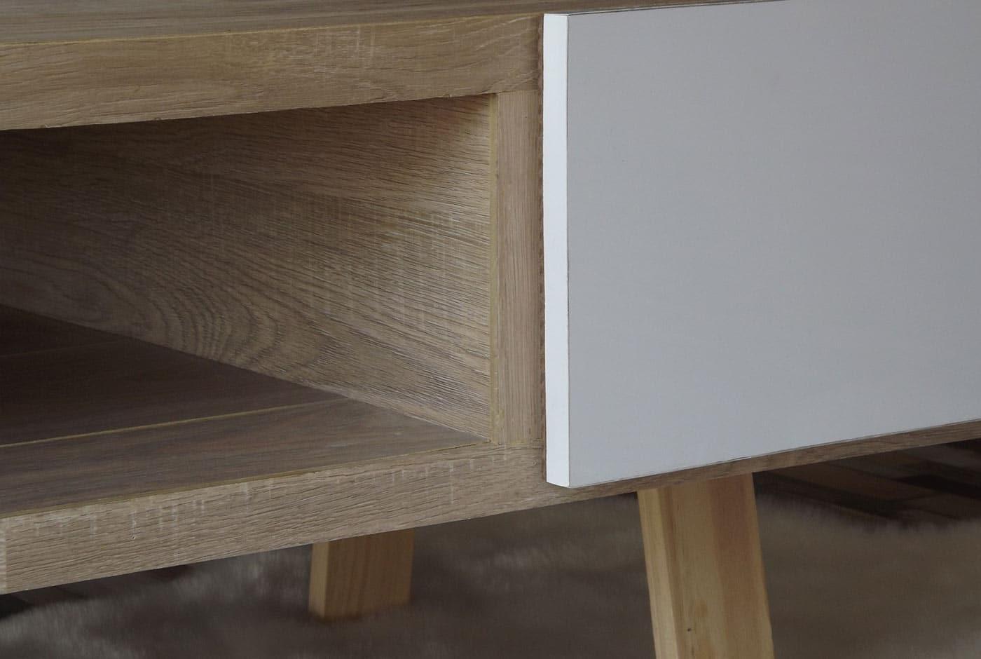 table basse aux mati re et couleur naturelles le bois et le blanc. Black Bedroom Furniture Sets. Home Design Ideas