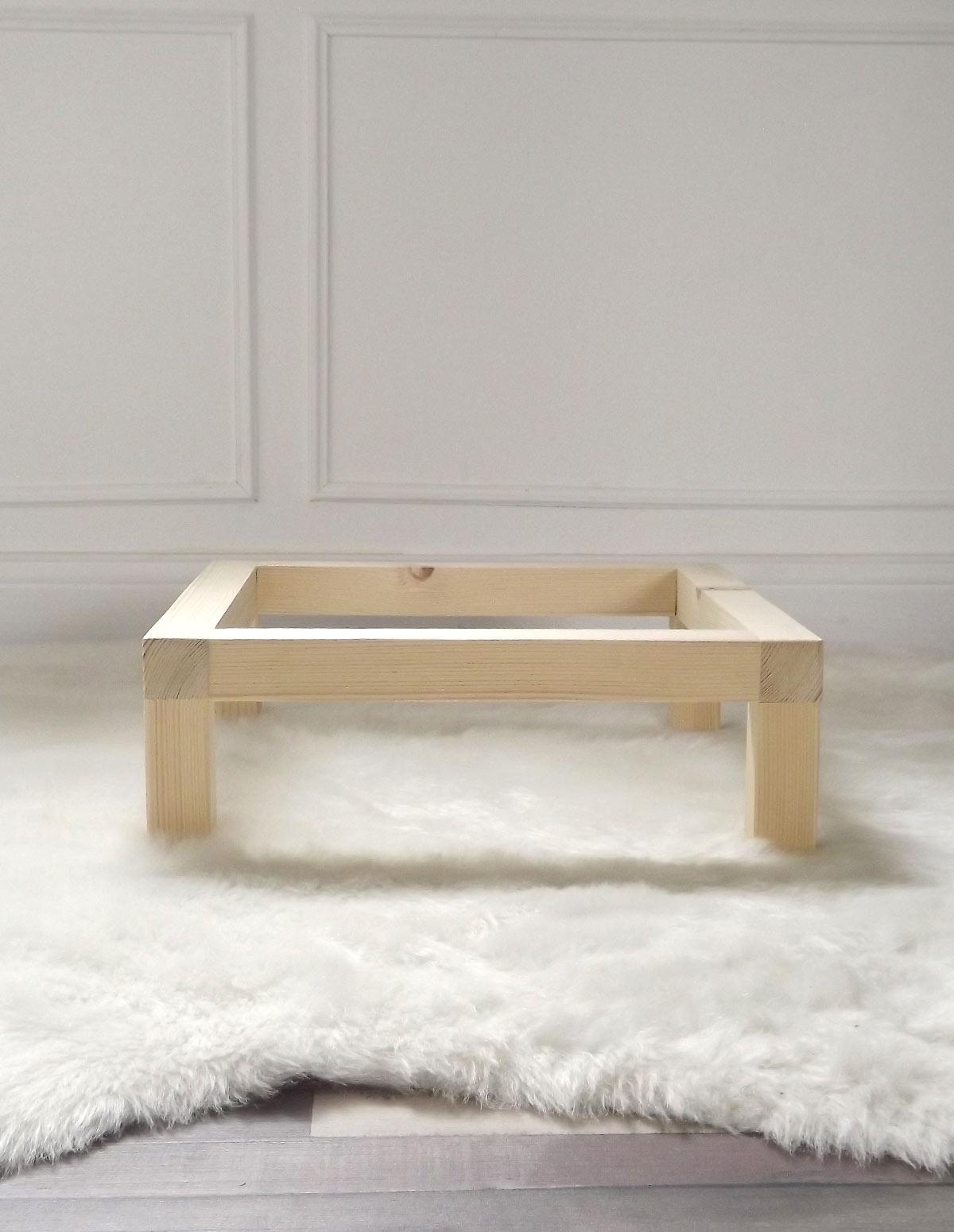 Les pieds, support simple, pour les Mehliebox de By Mehlie