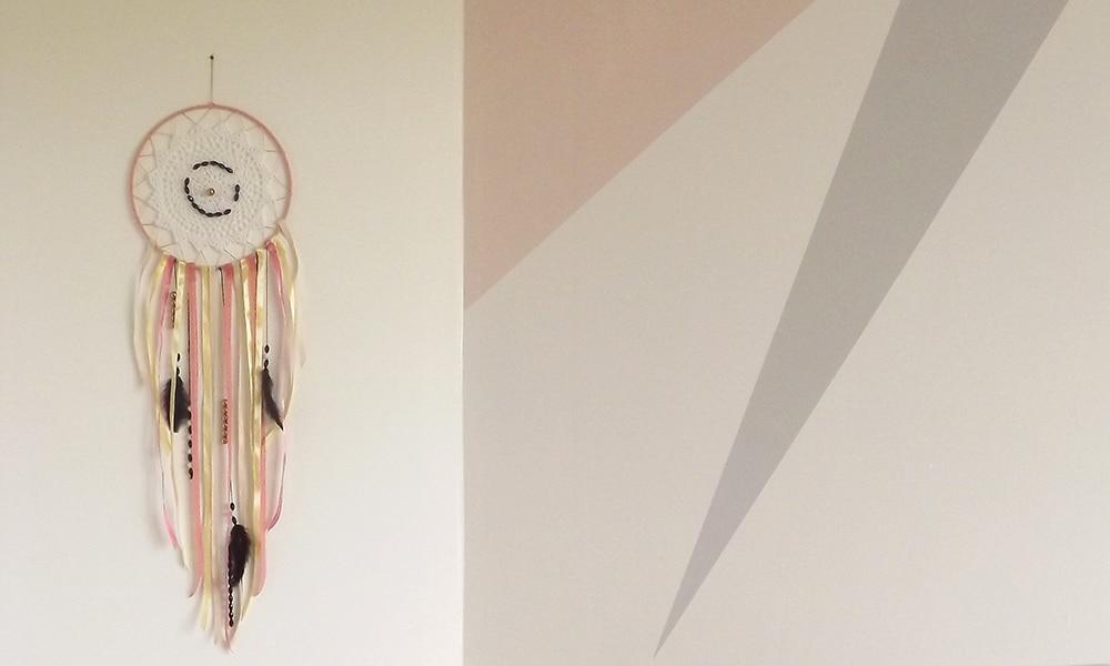 Décoration murale attrape-rêves pour la chambre des enfants. Produit en kit ou assemblé.