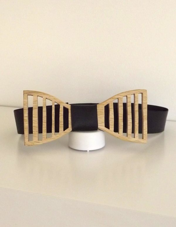 Porter lors d'un mariage, un accessoire original et décalé. Démarquez-vous avec ce noeud papillon.