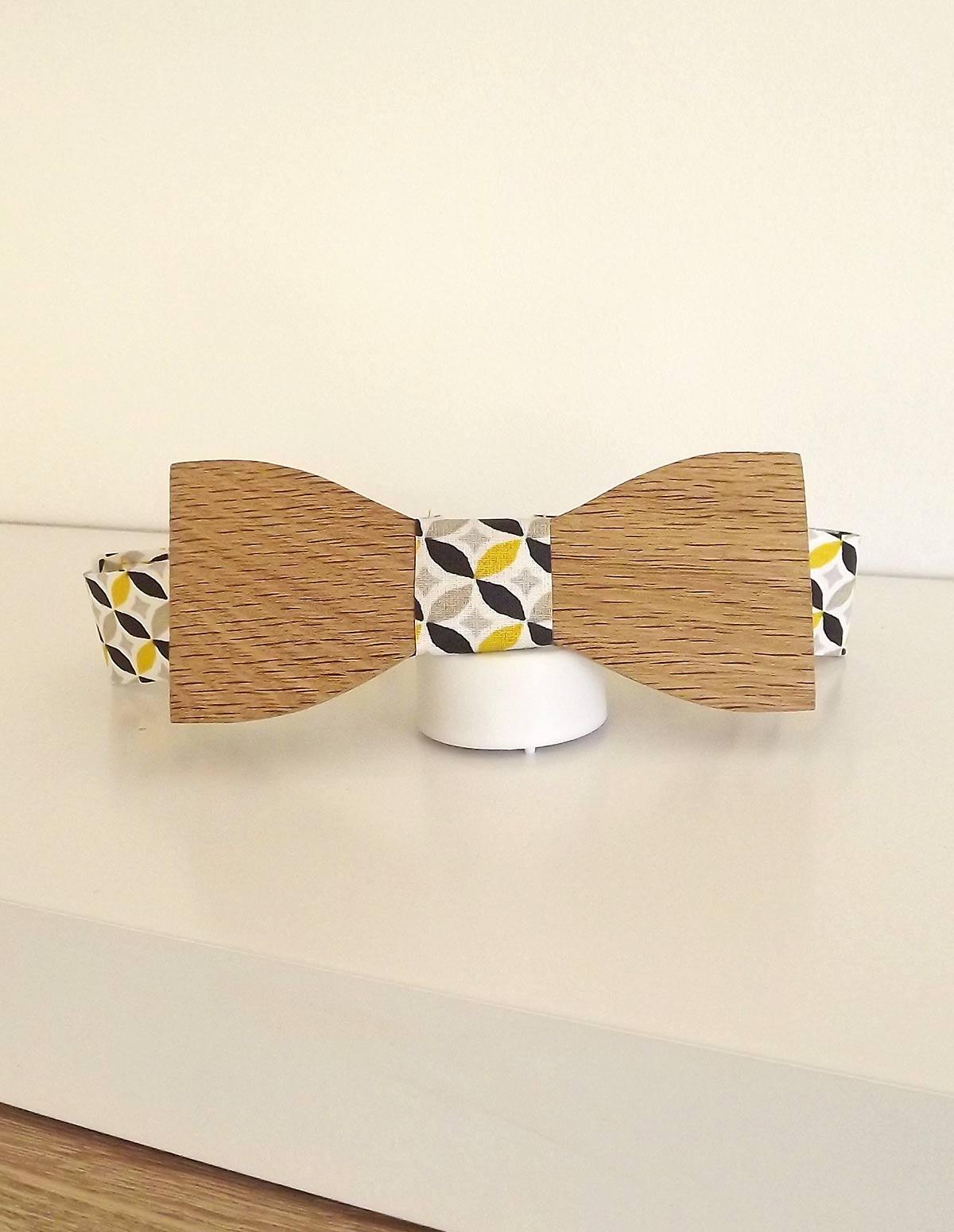 Pour un mariage, une soirée ou pour toutes occasions, porter avec votre tenue un noeud papillon en bois.