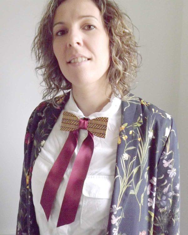 Un accessoire pour un style vestimentaire ethnique, ce noeud papillon bois  apporte une touche originale à votre tenue
