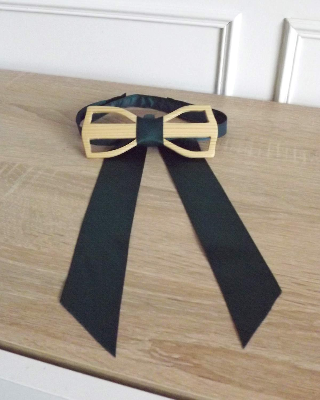Noeud papillon bois aéré pour être original en toute simplicité