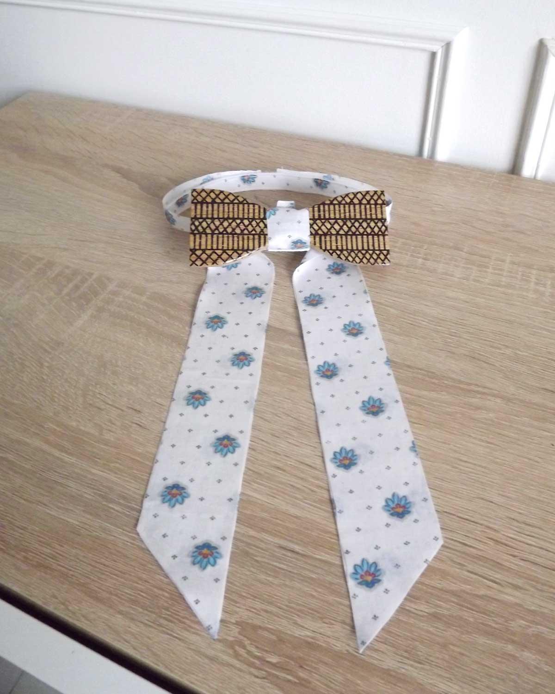 Un noeud papillon bois destiné aux femmes pour démarquer leur style