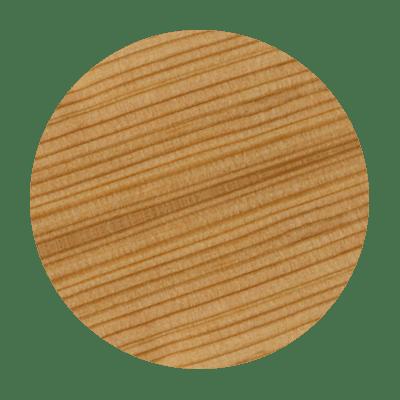 Mélèze essence de bois avec des nervures. Ce bois renforce le volume du noeud papillon bois, le Mehliepap Costaud.