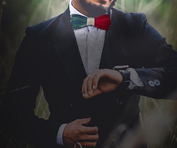 Noeud papillon bois homme au couleur de la France à porter avec un costume et une chemise